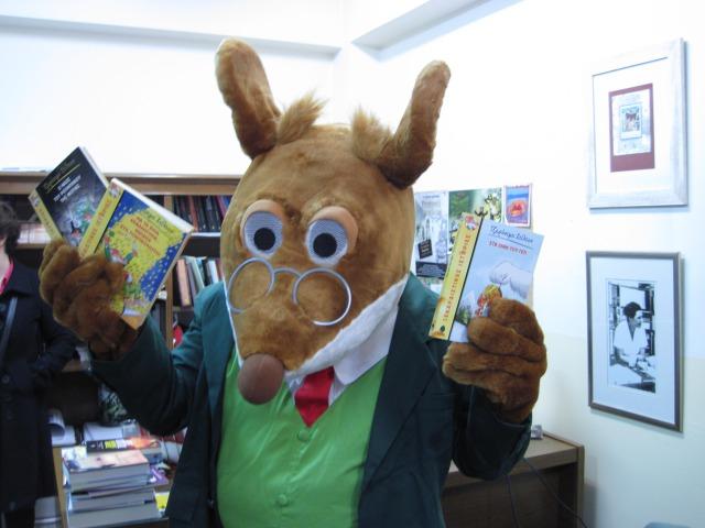 Ο Τζερόνιμο Στίλτον στο βιβλιοπωλείο Ευριπίδης στη Στοά
